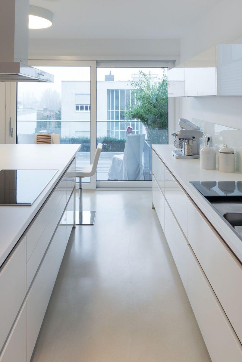 Betonfußboden betonfußboden béton flow in einem wunderschönen sehr hellen grau