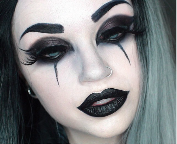 25 scary but cute makeup ideas to try for halloween makeup rh pinterest com beautiful witch