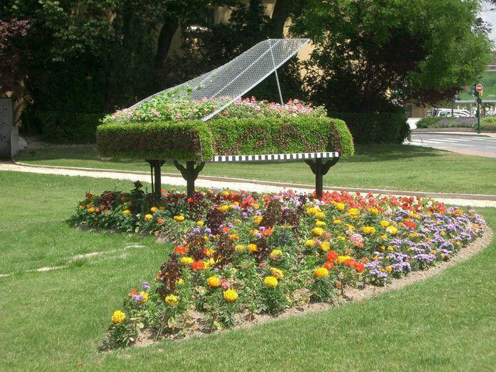 25 Awesome Plant Sculptures With Images Garden Art Music