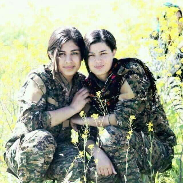 Kurdish Female Soldiers With Images Female Soldier Army Women