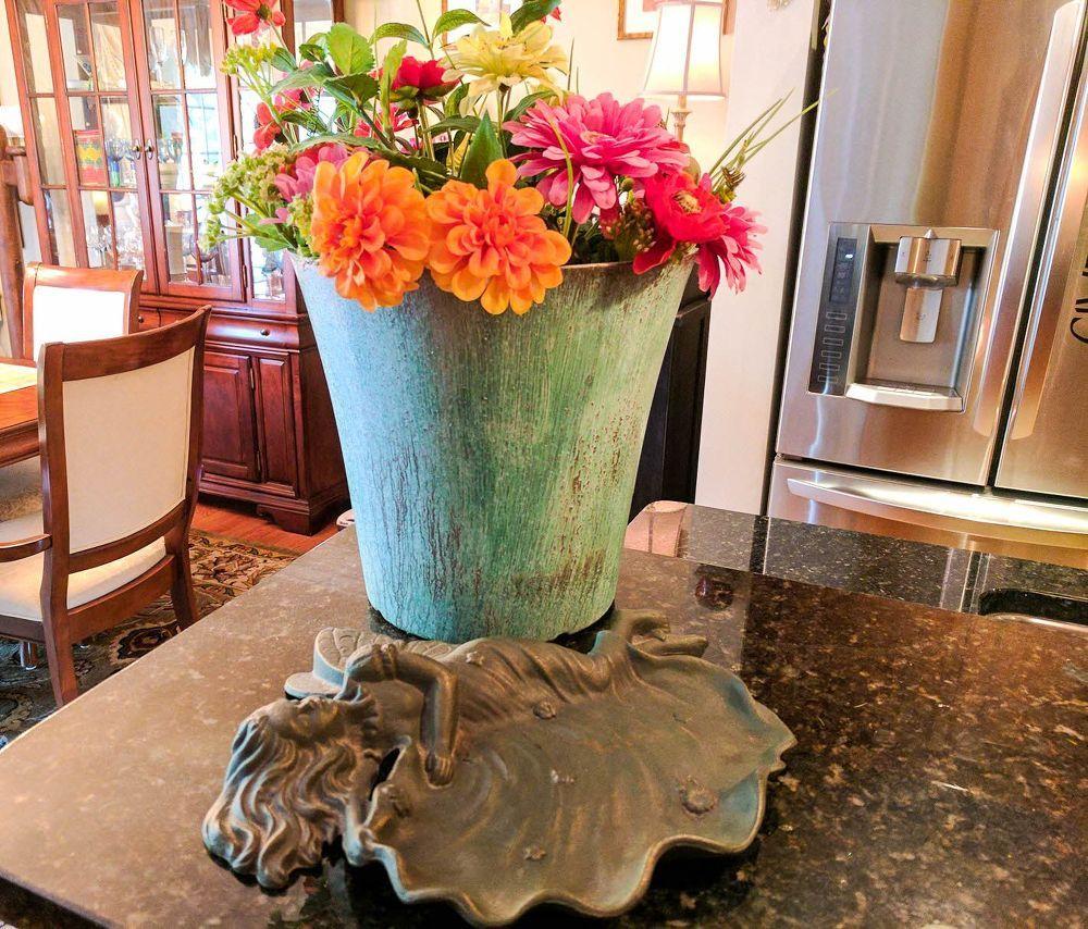 Upcycle Plastic Flower Pots Into HighEnd Decor Plastic