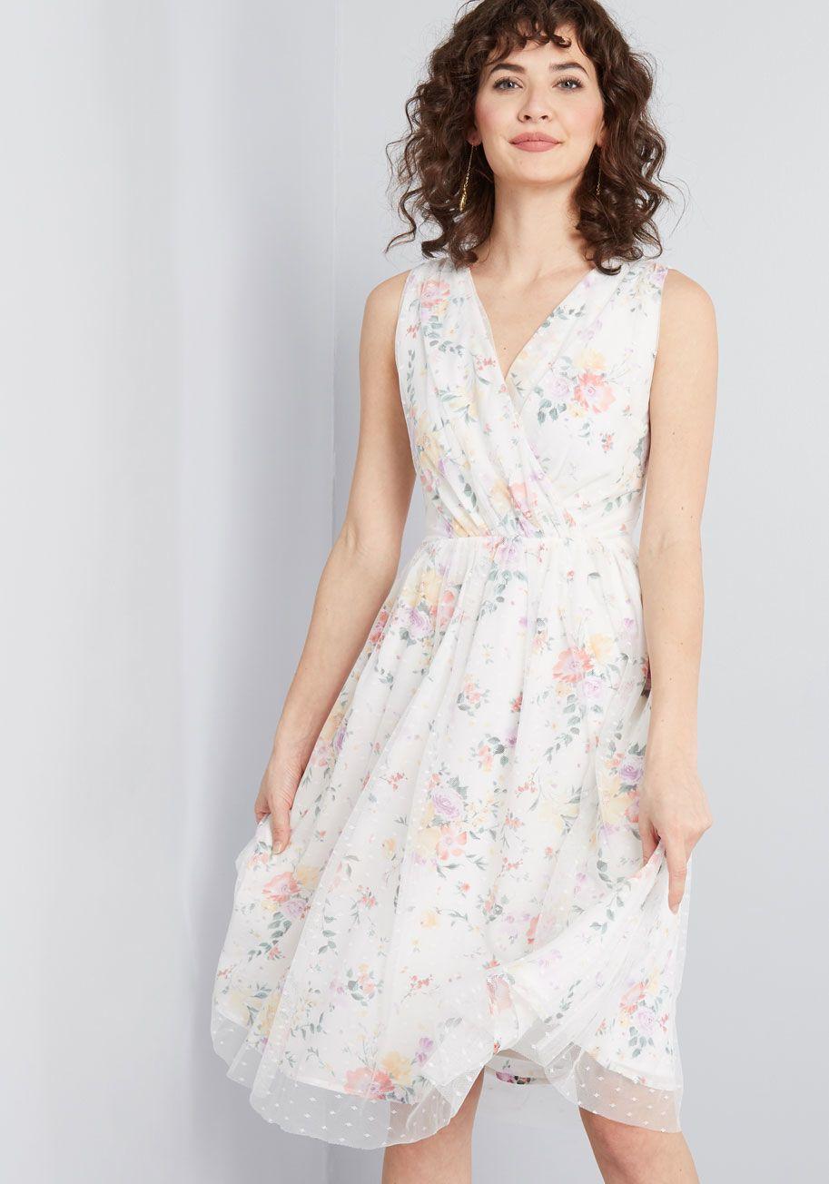 84fb7bc7e8 Favor the Feminine Floral Dress in 2019