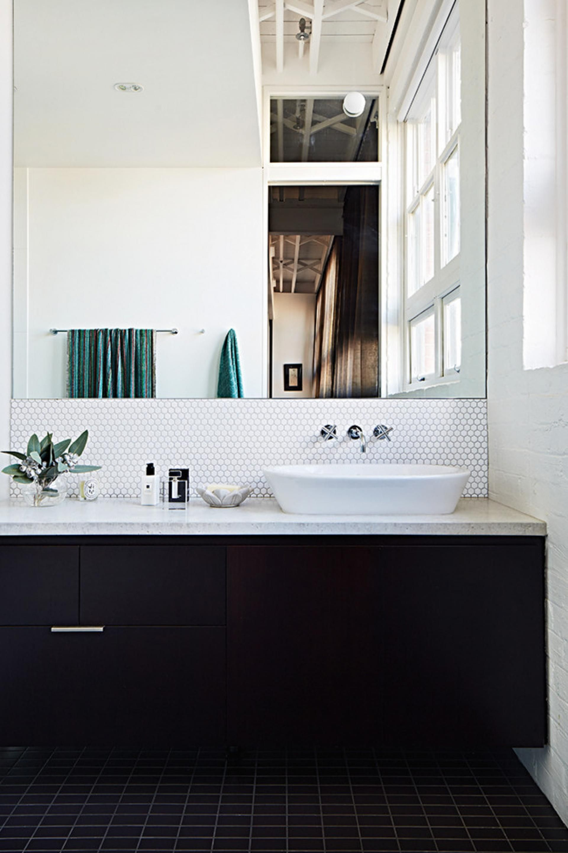 Top 10 black and white bathrooms. Styling by Jacqui Moore ...