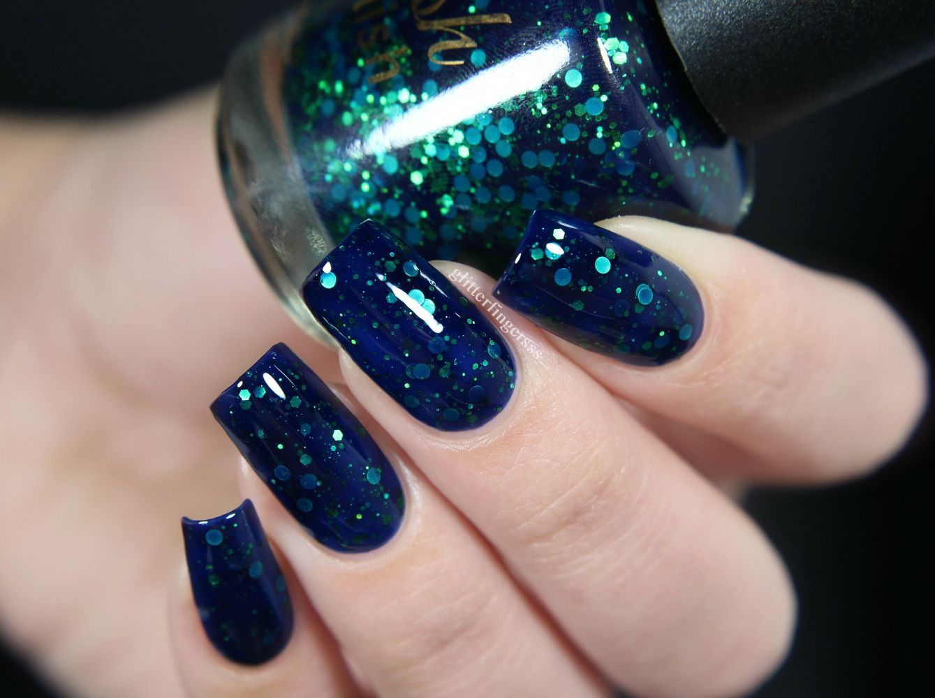 Clash of the Seas | Knight, Holographic glitter and Makeup