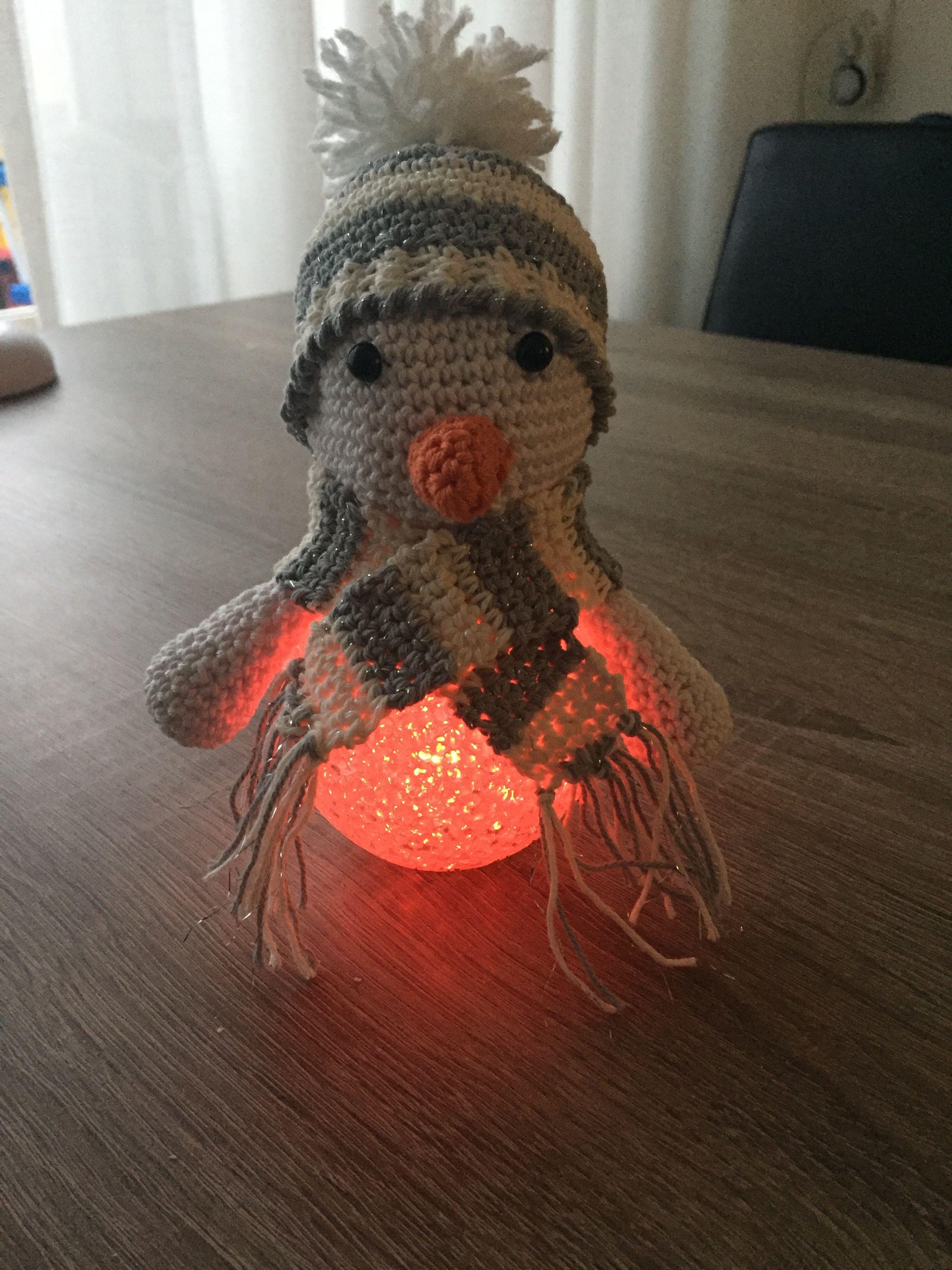 Sneeuwpop Op Lichtbol Van De Action Haken Breien