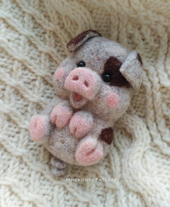 Pig Needle felted Brooch Pink Piggy Needle felting brooch Wool Handmade Felt Brooch Piggy Handmade New Year Gift Cute Piggy Wool Jewelry #needlefeltedbunny