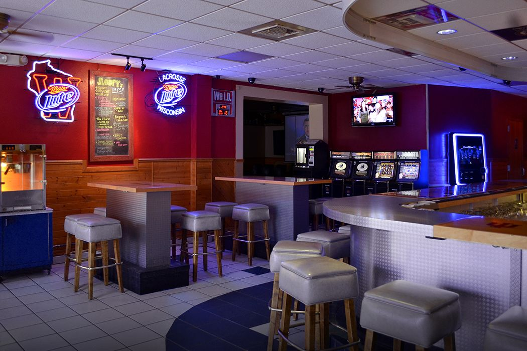 Sloopys Bar Grill La Crosse Wi Sloopys Photos Bar Grill