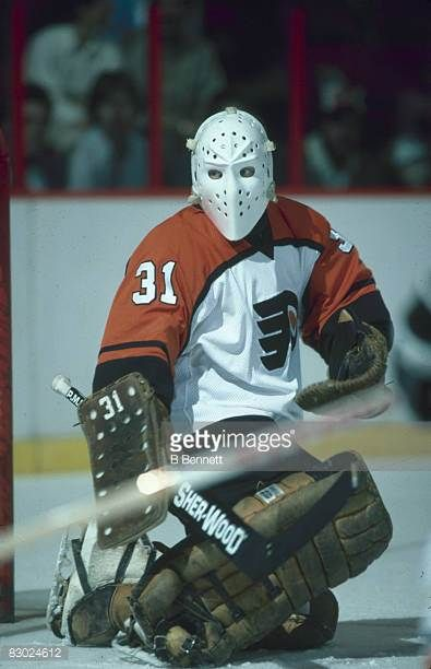 Swedish Ice Hockey Player Pelle Lindbergh Goalkeeper For The Flyers Picture Id83024612 395 612 Philadelphia Flyers Hockey Flyers Hockey Hockey Goalie