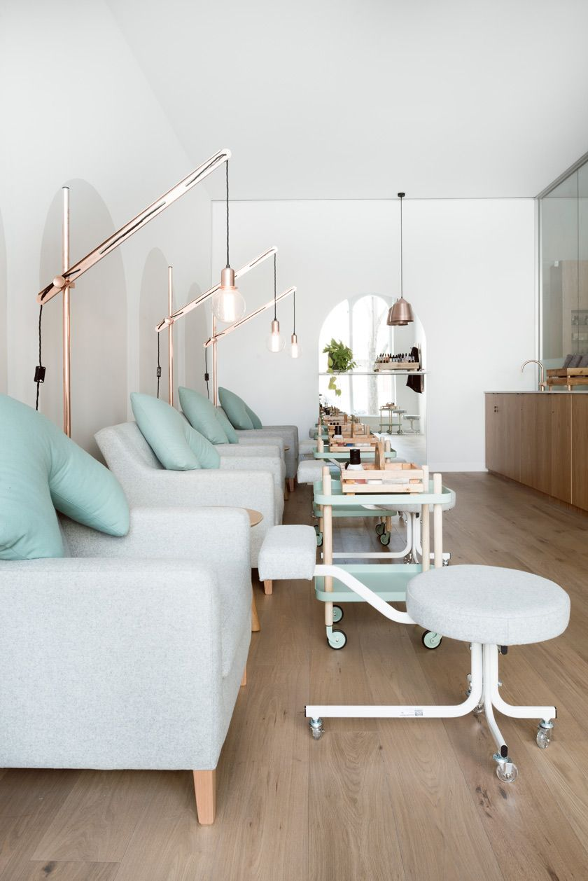 Voyeurdesign techne se grad a en la escuela de belleza for Decoration des salons