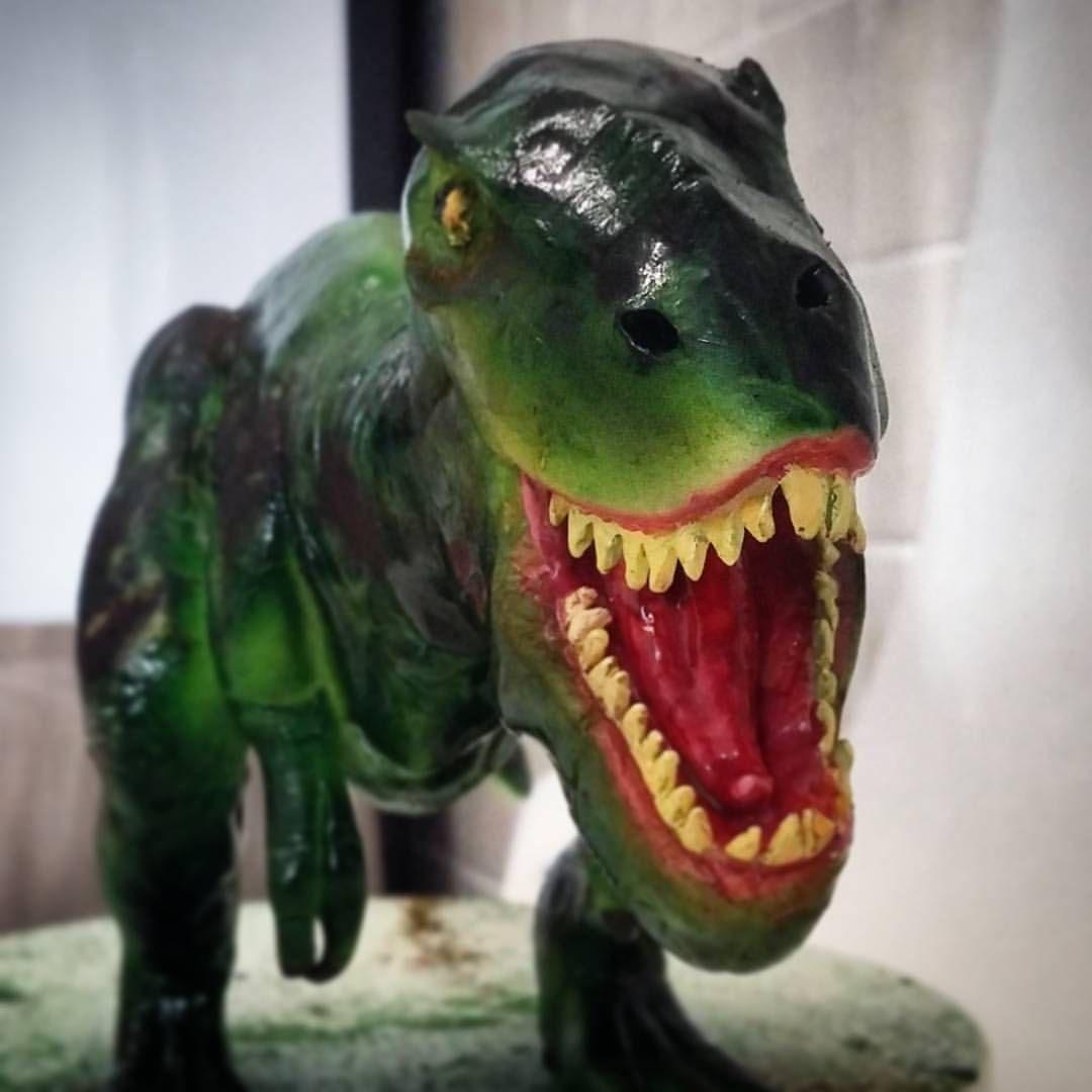 T-rex Dinosauro  Realizzato a mano, dipinto con aerografo e tempere alimentari