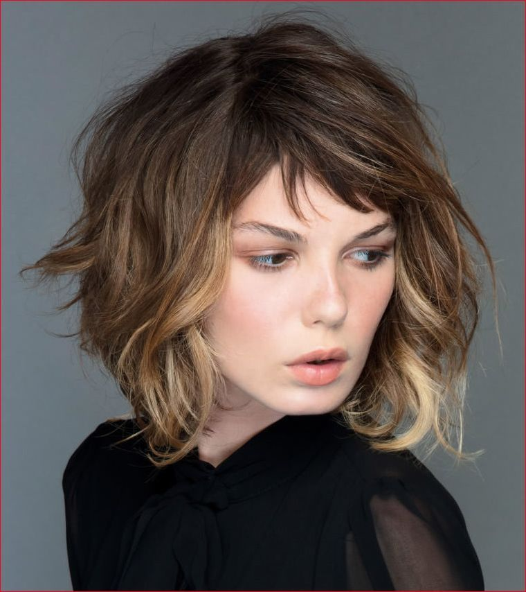 Simple Short Hairstyles For Prom In 2020 Prom Hairstyles For Short Hair Short Layered Bob Haircuts Thick Hair Styles