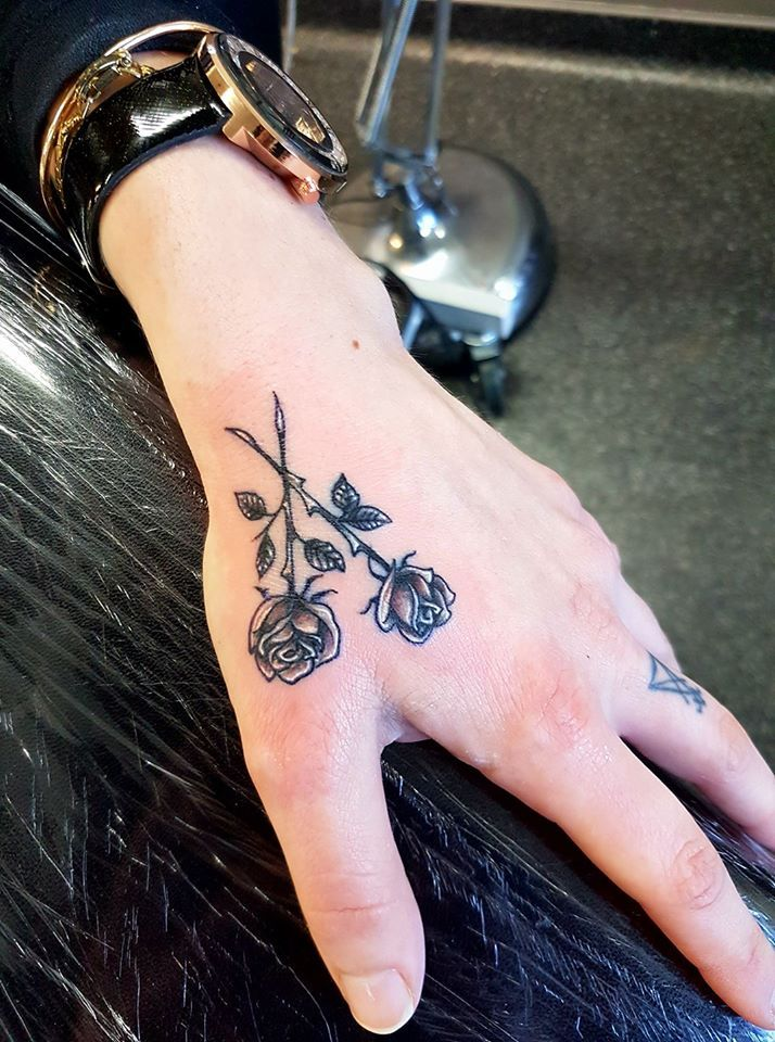 black and gray rose white highlights hand tattoo tats pinterest white highlights tattoo. Black Bedroom Furniture Sets. Home Design Ideas