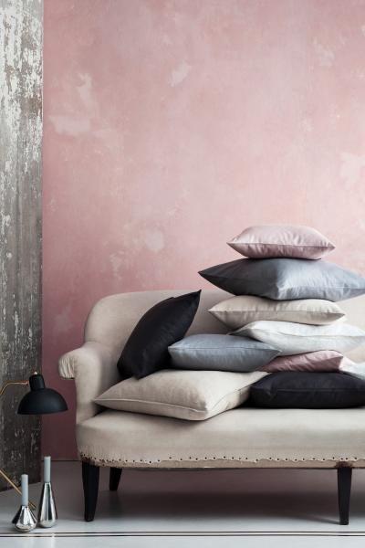 Capa de almofada em linho: QUALIDADE PREMIUM. Capa de almofada em linho lavado com fecho éclair oculto.