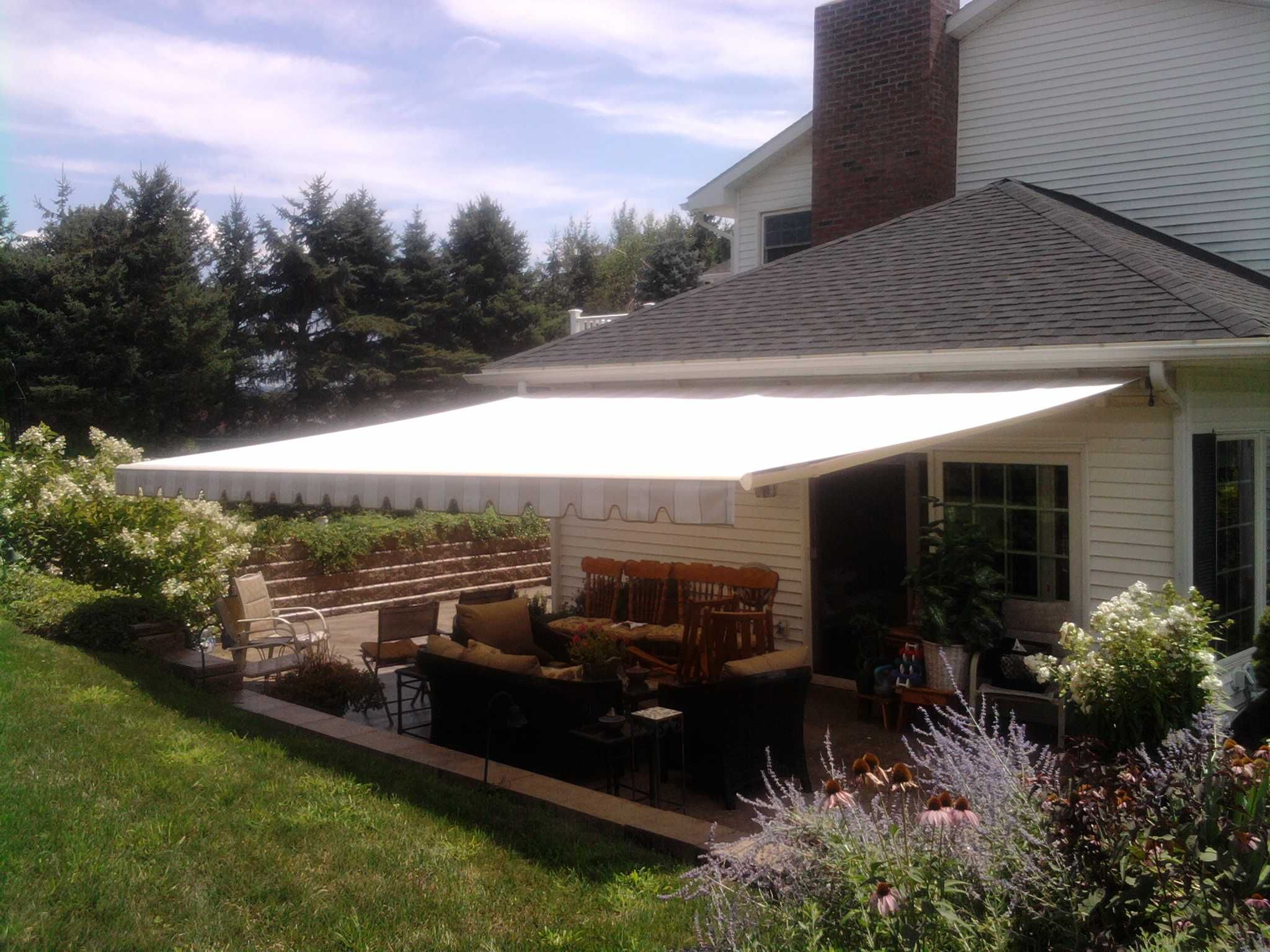 deck awnings retractable motorized canopies canopy products sunesta and awning