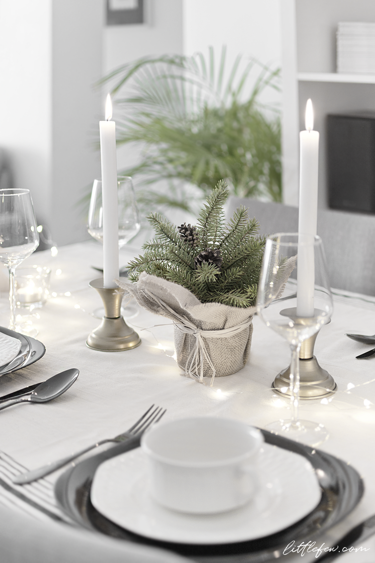 My Christmas table-setting (two options) / Littlefew.com Christmas  decoration, black and white table-setting, nordic style, nordic decoration, white  table, ...