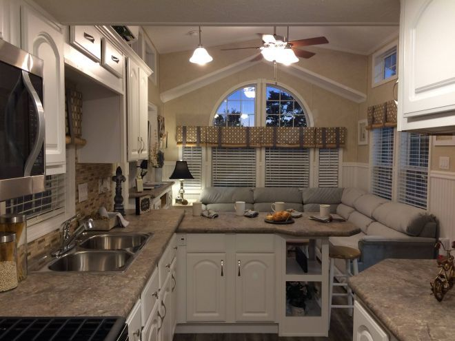 Try To Believe The Beautiful Kitchen That Fits Inside This 522