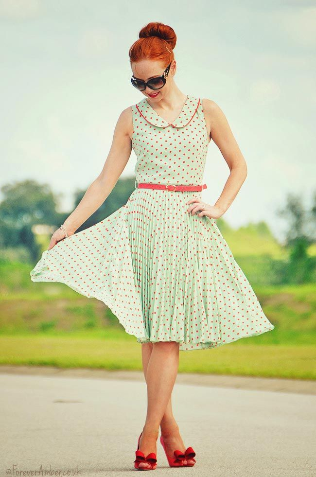 yes, ANOTHER polka dot dress...