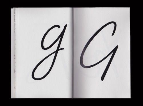© Arthur Teboul - 2016 Réalisation éditoriale. Spécimen Typographique de la Saint-Cloud Medium. Basé sur une écriture manuscrite personnelle stabilisée.
