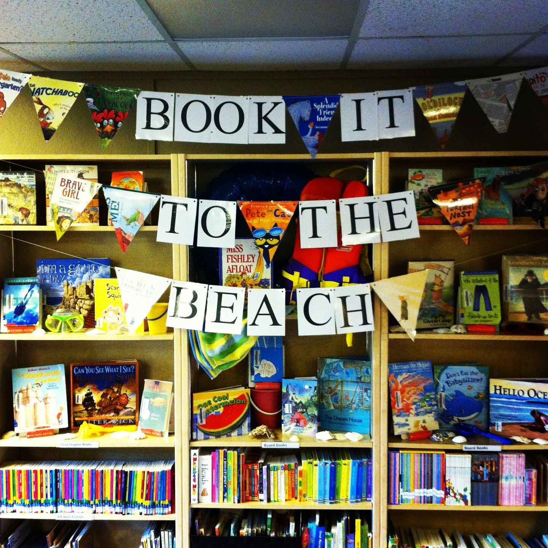 Summer library display | Displays | Library displays