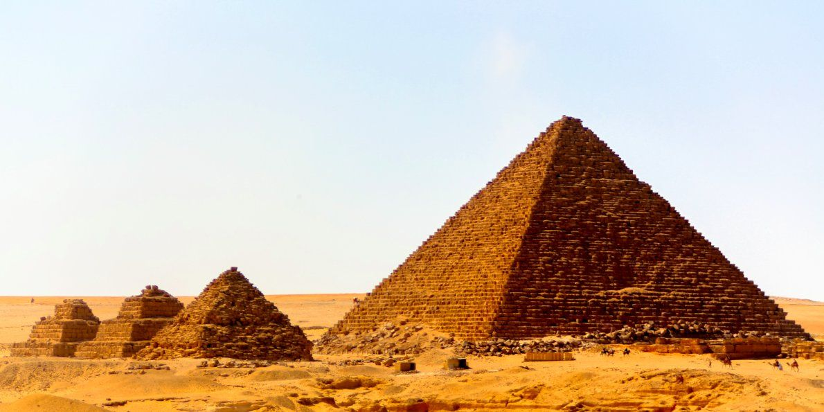 Adel Okasha, the head of Dahshur necropolis, said that the remains belong to the inner structure of the pyramid.