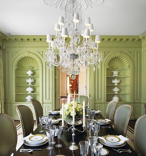 Salón comedor. diseños en verde. elegante araña de cristal. sillas ...