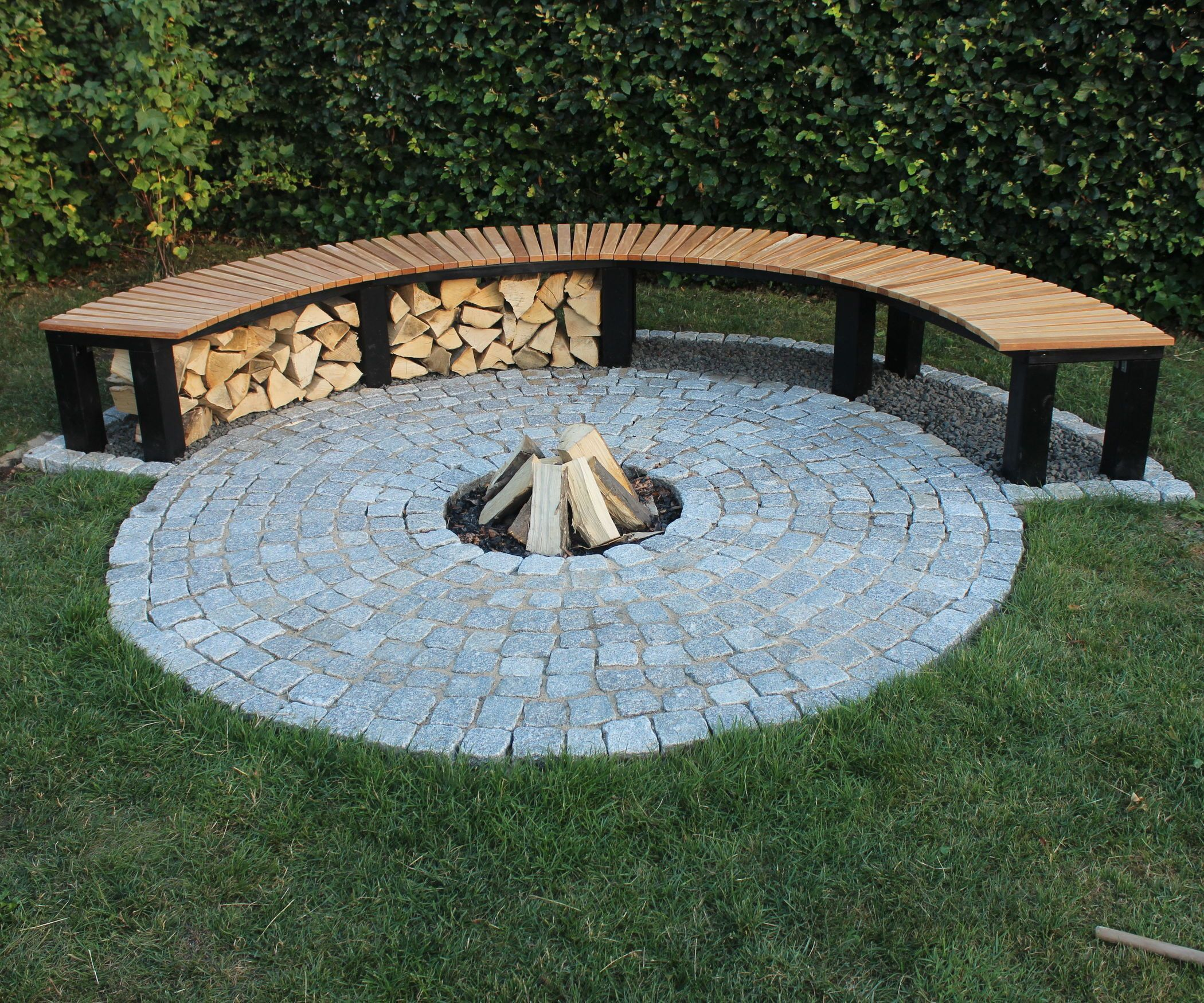 How to build a fireplace with a bench for your own garden ...