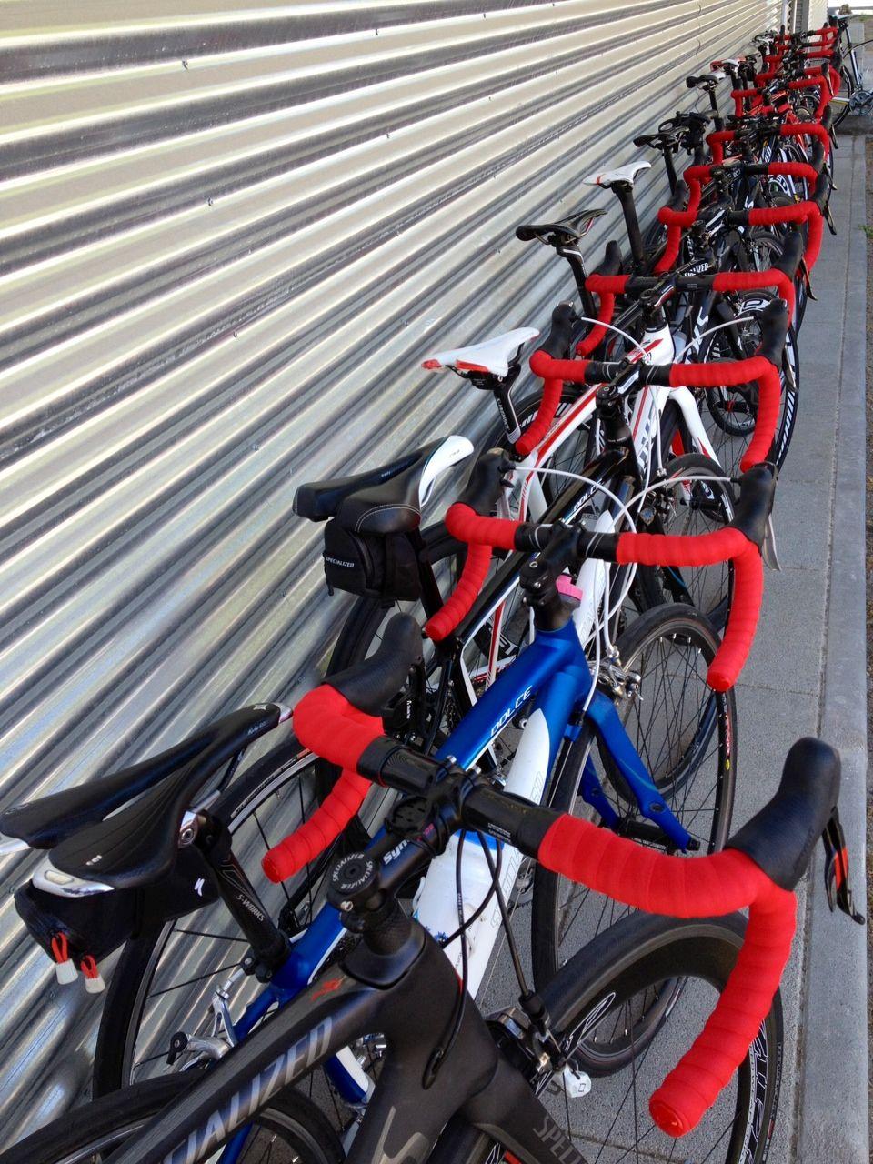 El Rojo Motiva Celebra La Vuelta De Alberto Contador Poniendo Cinta De Manillar Roja En Tu Bici Cycling