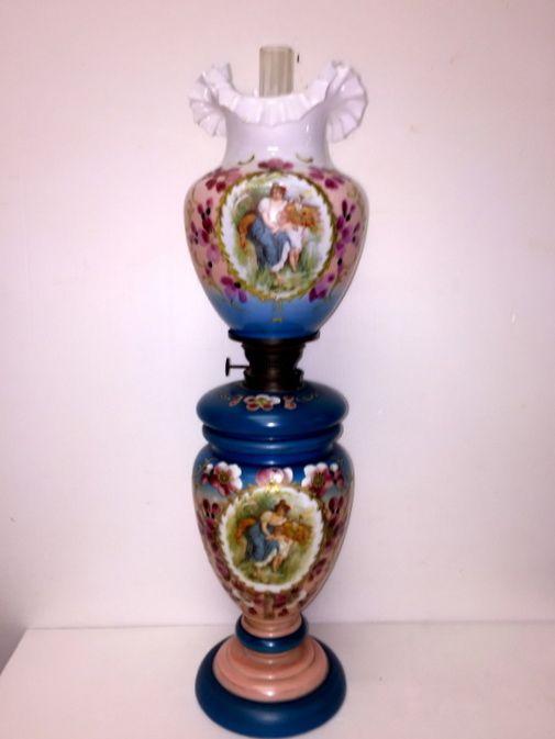 Oggettistica d`epoca - Lampadari e lampade Antica lampada a petrolio  italiana in opaline - bd18d72ec72