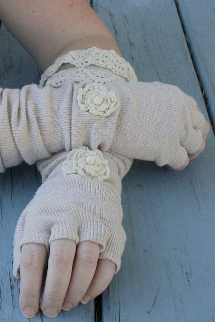 Nancy's Couture: Linen & Lace Fingerless Gloves