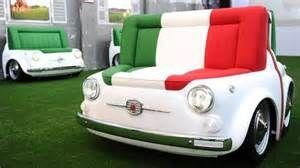 Papa adore les voitures, offrez lui un sofa cabriolet !