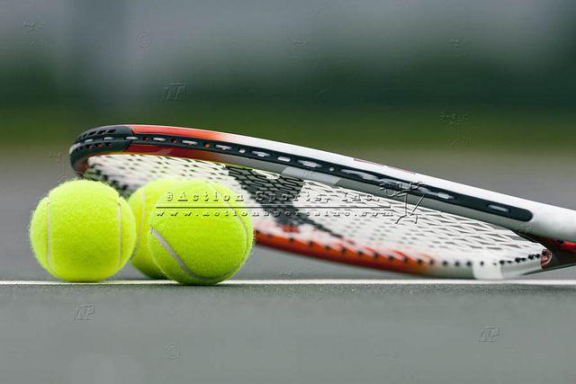 Tennis Balls And Racket Esporte