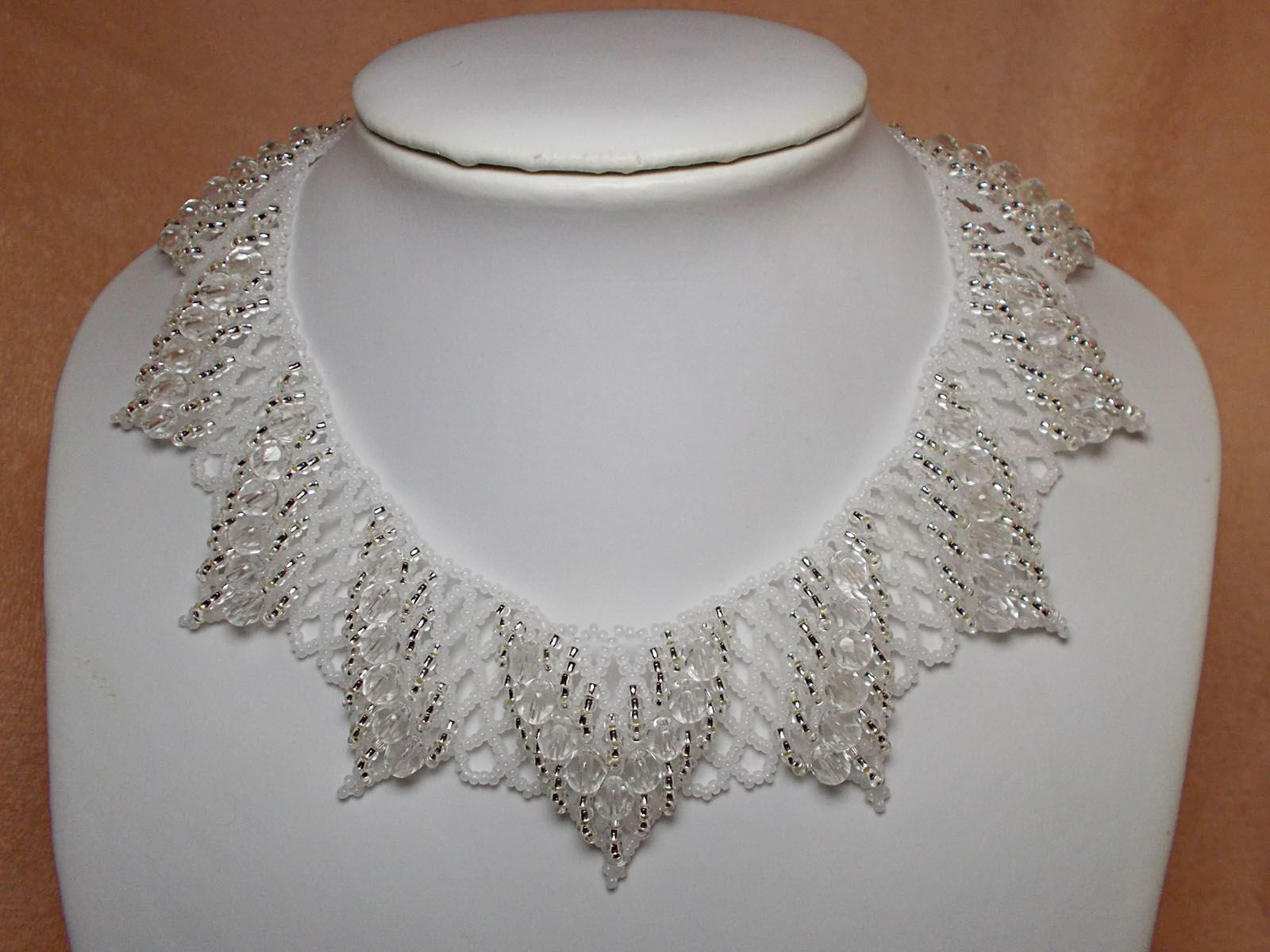 """Necklace """"Ice Crystal""""   biser.info - all about beads and beaded works"""