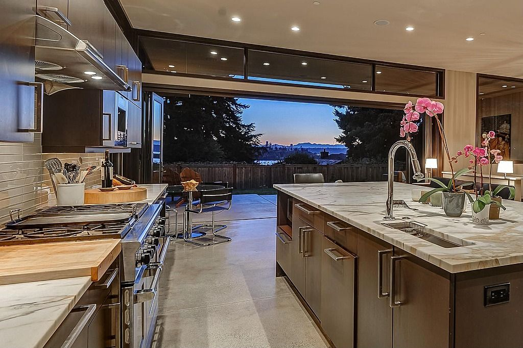 Good Open The Folding Doors To Stay Cool While Cooking In The Heat Of The Kitchen .