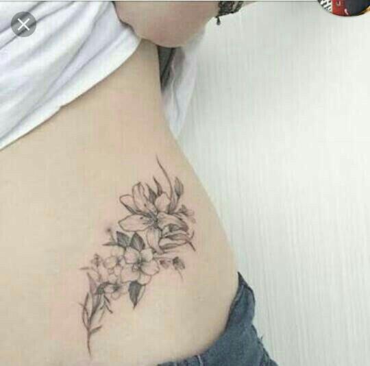 Pin By Tara Summers On Tattoo Tatouage Tatouage Fleur Tatouage