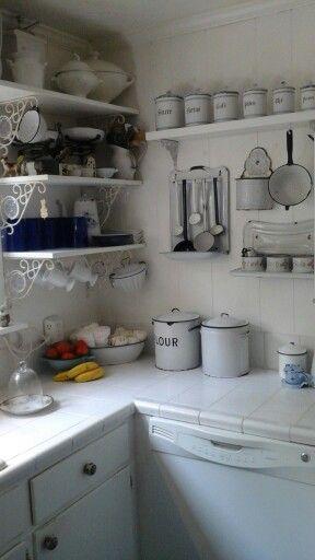 Old enamel in my best friend\'s mom\'s kitchen. Have always ...