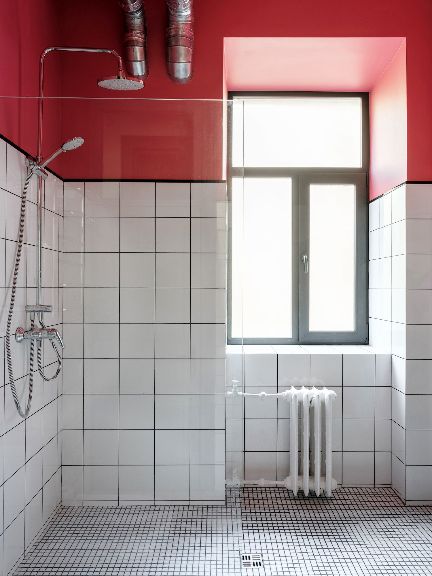 Small Comfort Room Tiles Design: 31 Design Ideas That Will Make Small Bathrooms Feel So
