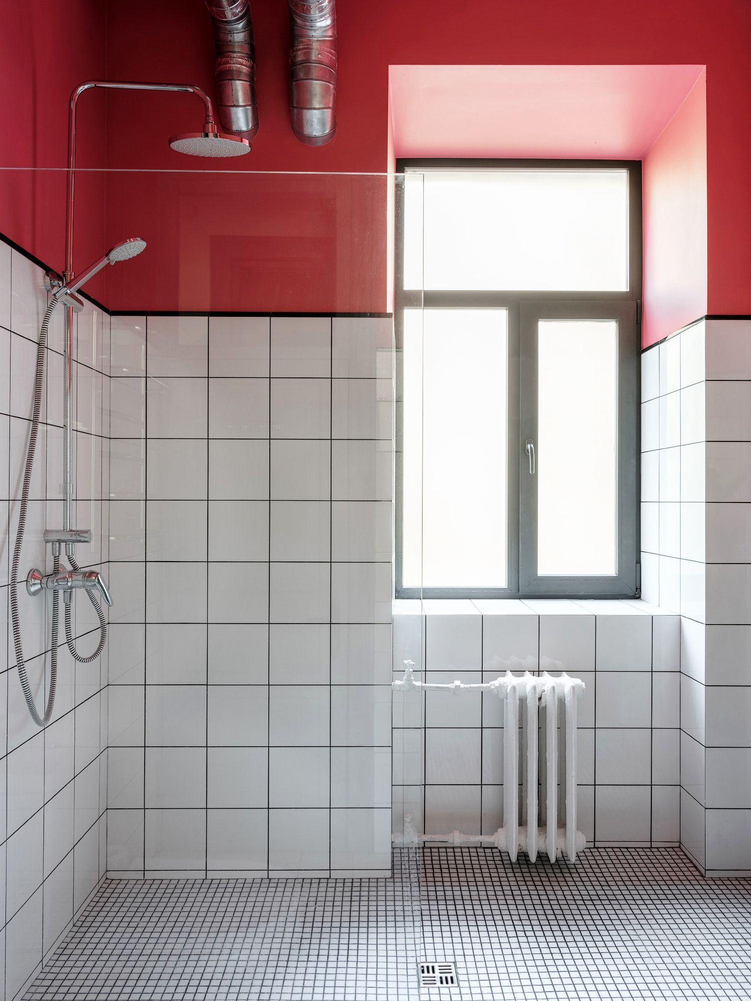 31 Design Ideas That Will Make Small Bathrooms Feel So ...