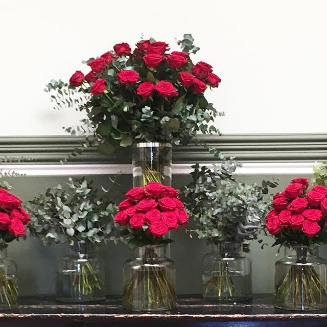 Inundados y disfrutando de la nueva rosa roja cultivada en España. Una rosa que dará que hablar #aleiaroses #rosasrojas #rednaomi #wedding #boda #bodas2017  #afloremioswork #afloremio
