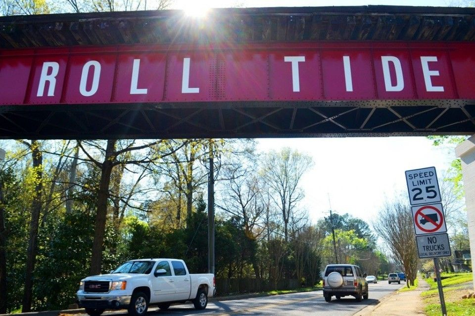 Roll Tide Title Town Sign Gives Northport Train Bridge New Look