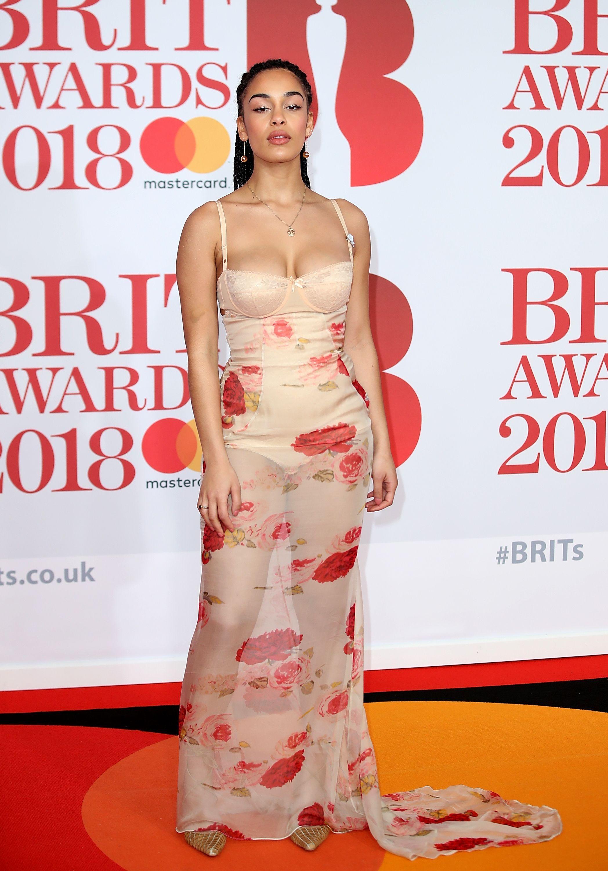 Dua Lipa Pulled A Rihanna At The 2018 Brit Awards Jorja Smith Red Carpet Looks Brit Awards