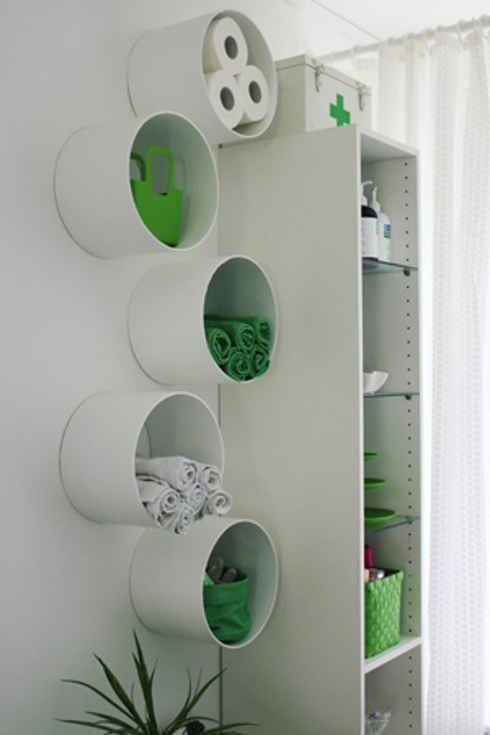 Voor een creatieve badkamer! #DIY #pvc buizen aan de muur als kleine ...