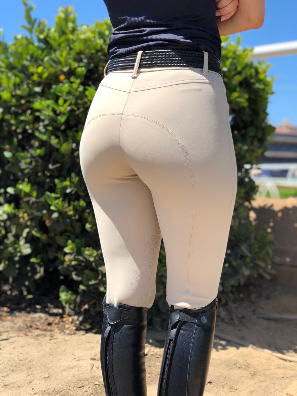 Sexy Girls In Horse Riding Clothes  Hot Girl Hd Wallpaper-5577