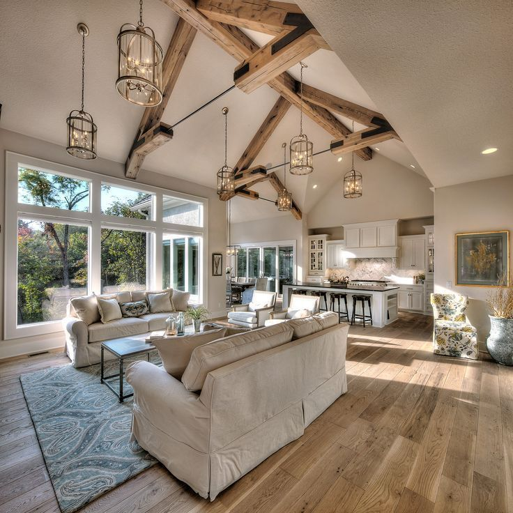 Wohnzimmer, Laternenbeleuchtung, helle Parkettböd ... - #Helle #Laternenbeleucht ... - Wood Design #vaultedceilingdecor