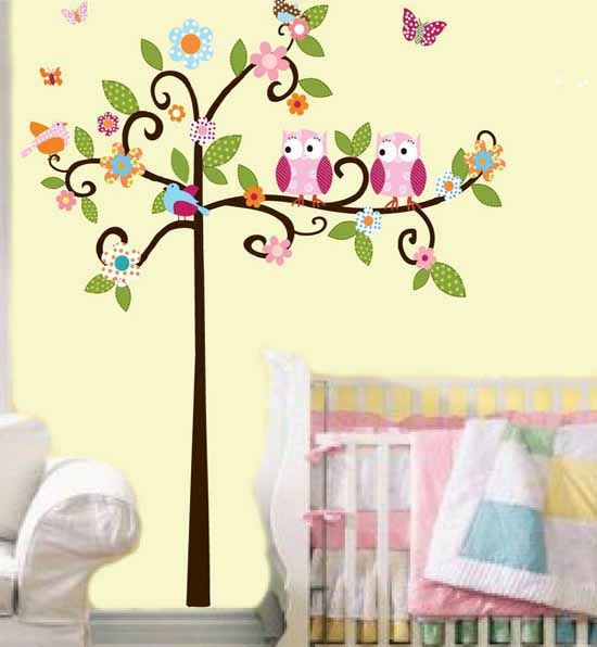 Kids bedroom with nature theme tree birds inspired wall for Baby wall decoration ideas