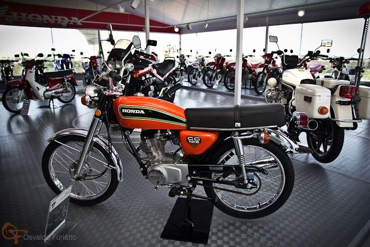 Uma moto por dia: Dia 80 – Honda CG 125 – Museu Fan Club | Osvaldo Furiatto Fotografia e Design
