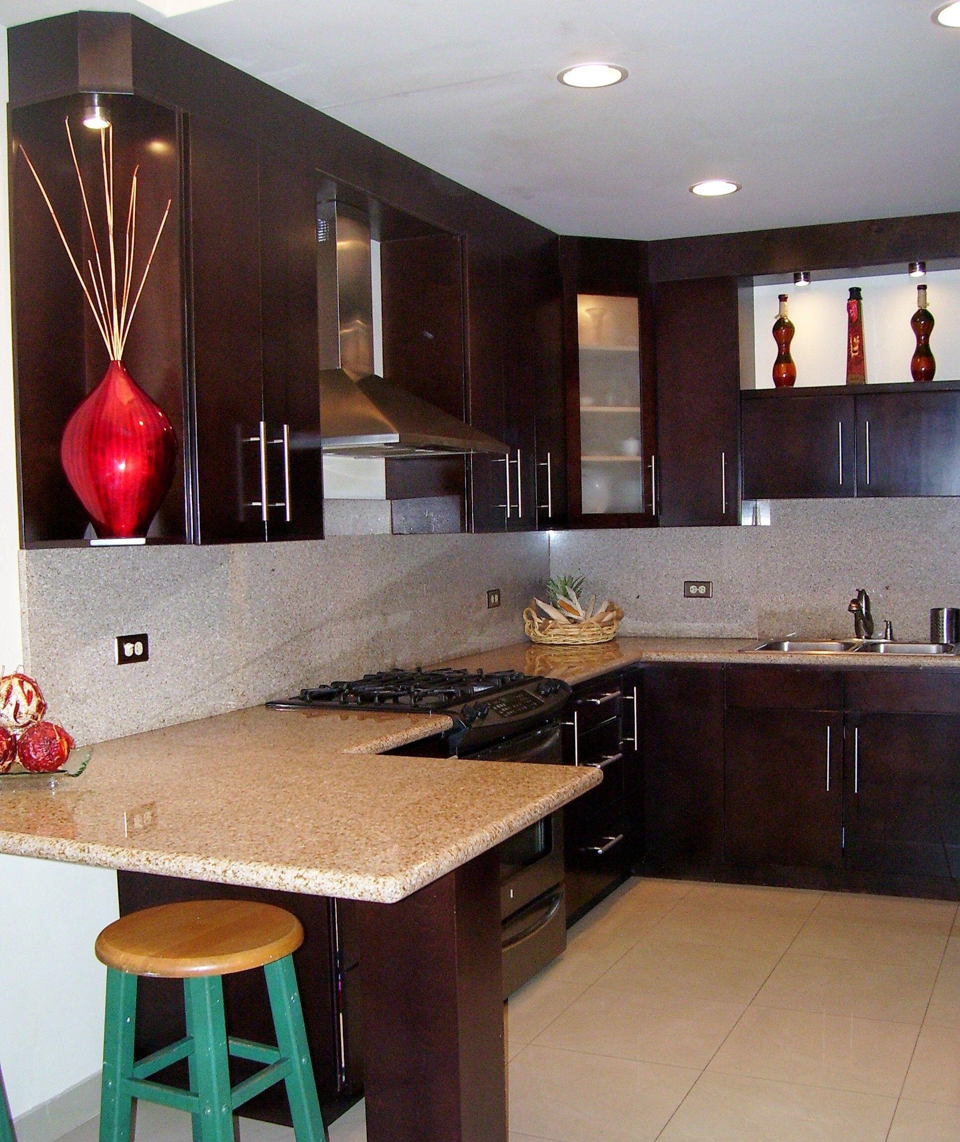 Cocina integral moderna peque a buscar con google casa for Cocinas integrales modernas