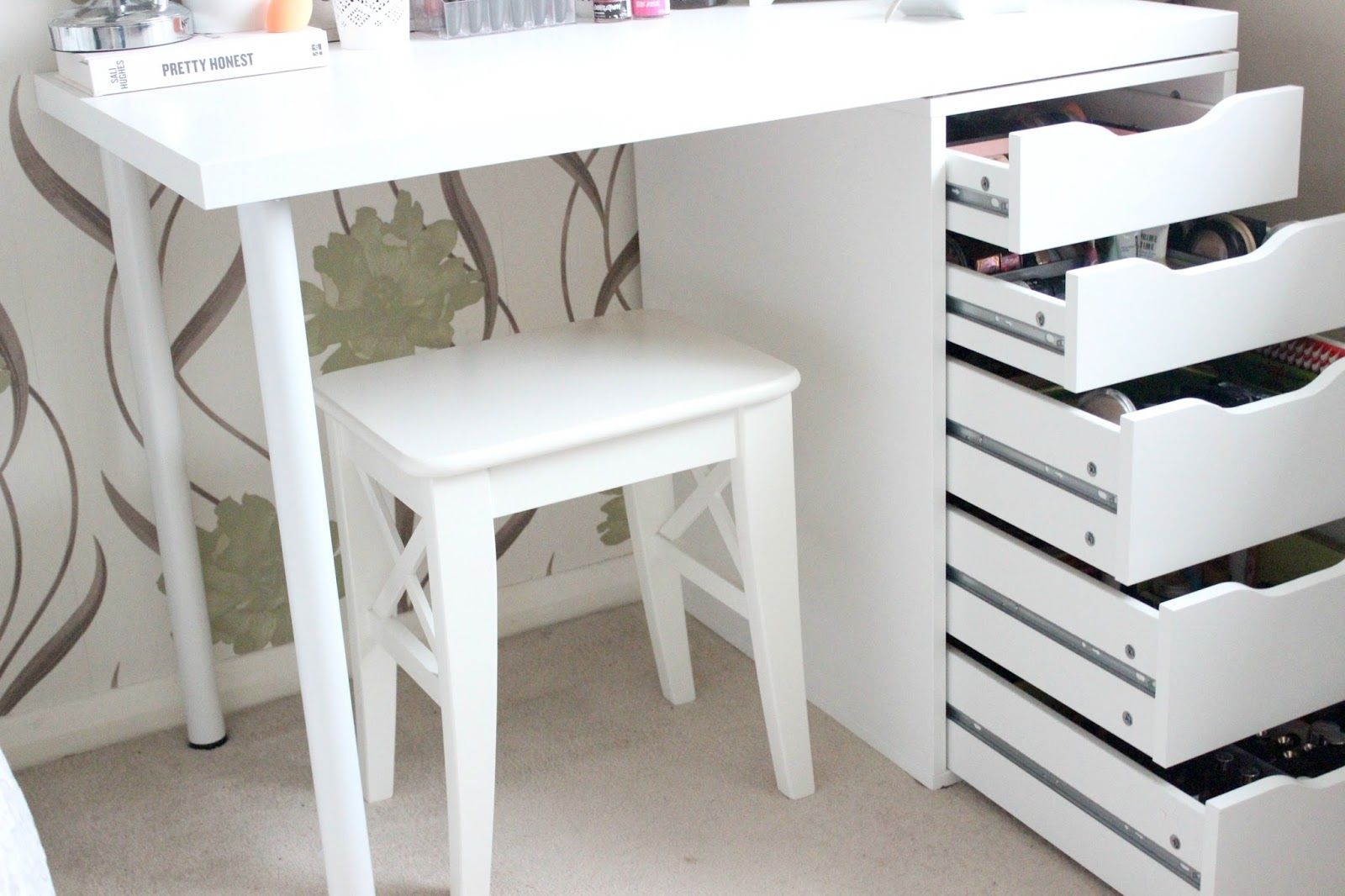 DIY Ikea Vanity & Makeup Storage Ikea vanity, Ikea diy