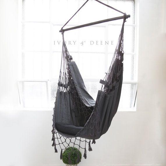chaise hamac suspendu deluxe se d tendre dans le par ivoryanddeene balancelle pinterest. Black Bedroom Furniture Sets. Home Design Ideas