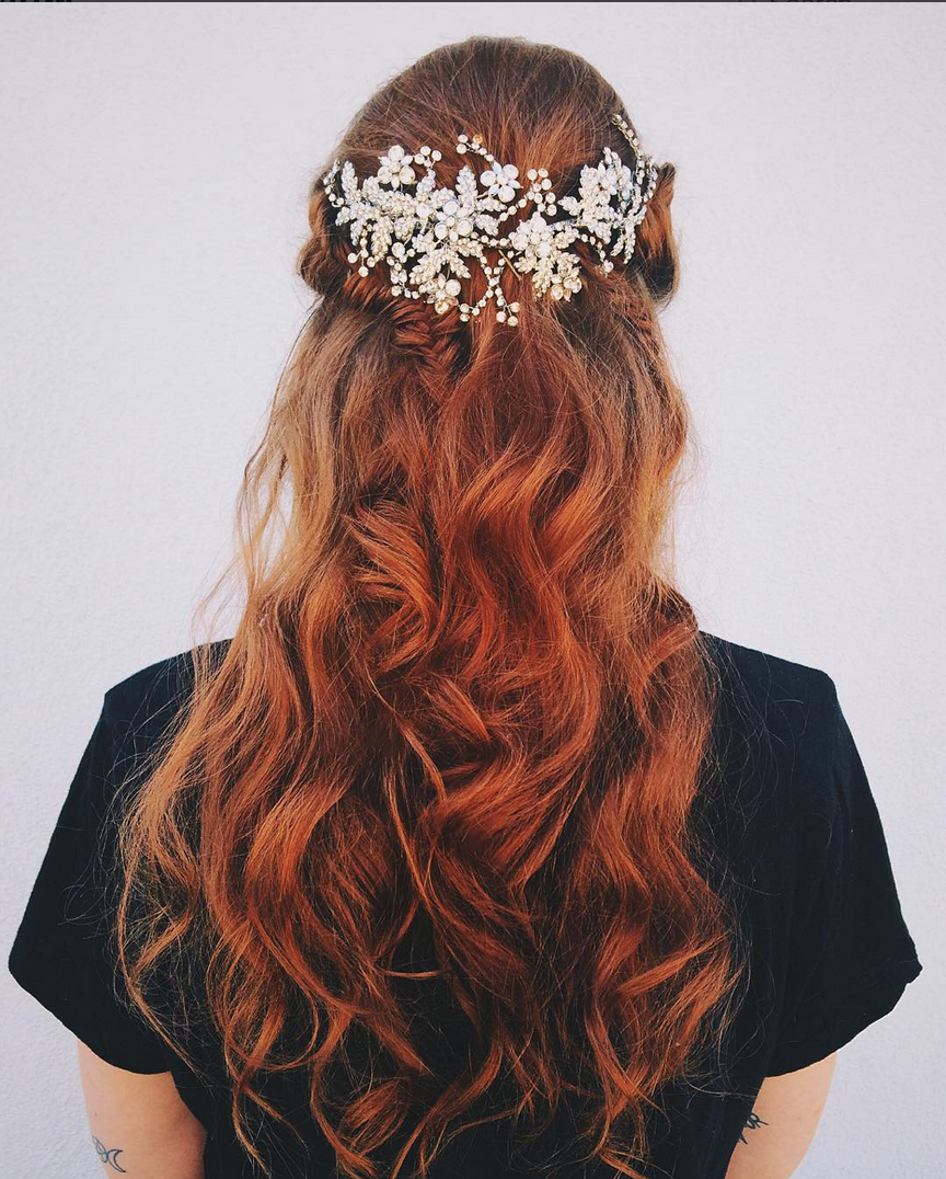 Wedding Entourage Hairstyle: Pin By Kira Ware On Wedding In 2020