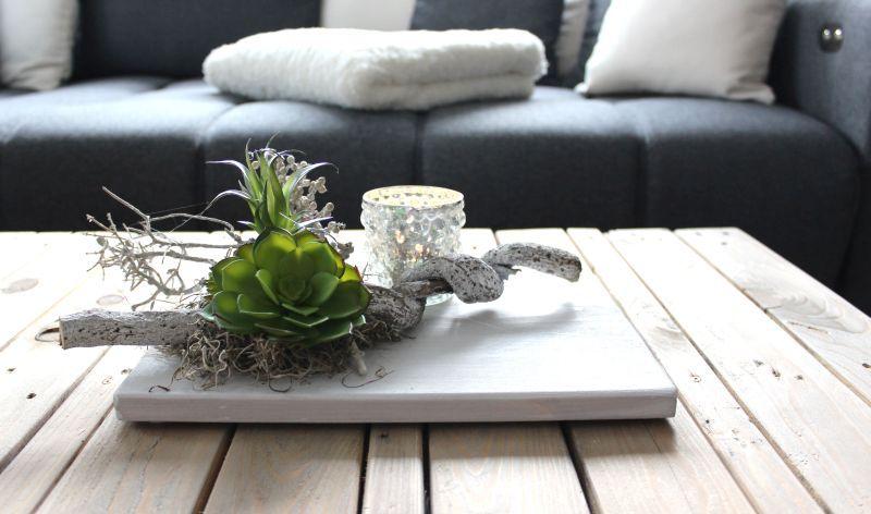 td163 zeitlose tischdeko holzbrett wei gebeizt dekoriert mit nat rlichen materialien und. Black Bedroom Furniture Sets. Home Design Ideas